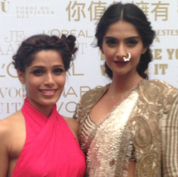 Sonam-Kapoor-Freida-Pinto-Red-Carpet-Cannes-2013