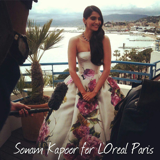 Sonam-Kapoor-Red-Carpet-Day-2-Look-Cannes-2013-Pic
