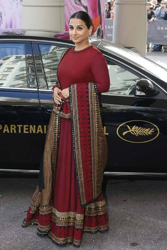Vidya-Balan-Arrival-At-Hotel-Martinez-Cannes-2013